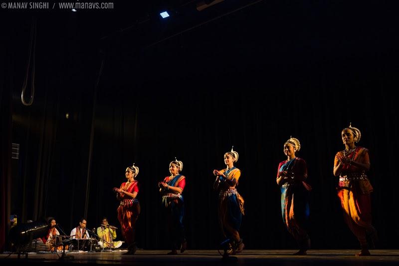 "Festival Started with ""Shiva Mangalacharan"" Odissi Dance presented by Jaya Mehata, Swati Chattopadhyay, Raudri Singh, Saudamini Ayde and Janaki Kumar"