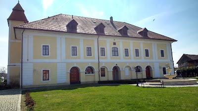 Castelul Haller-Ogra