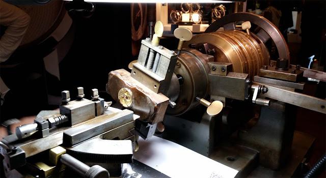 Uhrenmacherkunst, Fräsmaschine