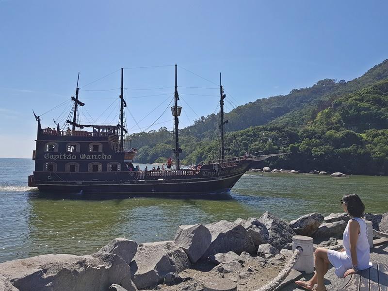 O que fazer em Balneário Camboriú: Barco Pirata