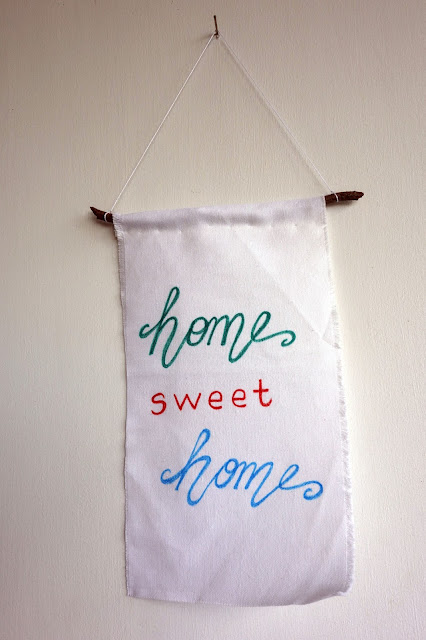 brush lettering, fabric pens, Crayola fabric markers, home sweet home, wall hanging