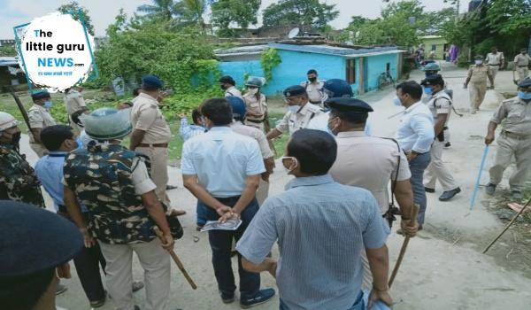 ब्रेकिंग: राम मंदिर शिलान्यास के विरोध में धार्मिक स्थल पर फहराया काला झंडा, दो समुदायों में संघर्ष, स्थिति तनावपूर्ण