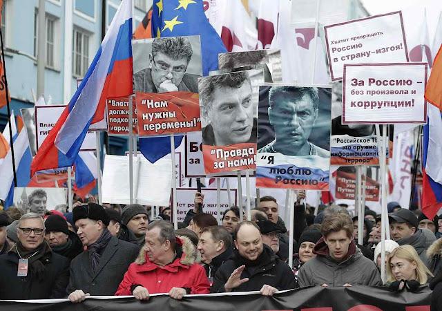 Russos pedem esclarecer pelo crime contra Nemtsov, quando investigava mortes de soldados invadindo país estrangeiro