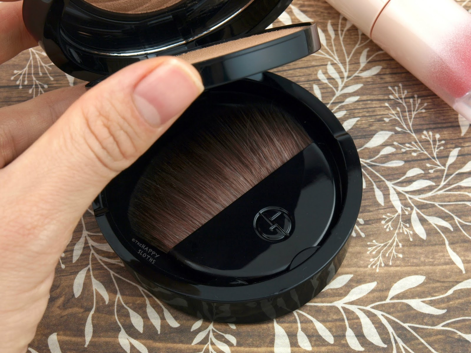 Giorgio Armani Beauty | Neo Nude Fusion Powder: Review and Swatches