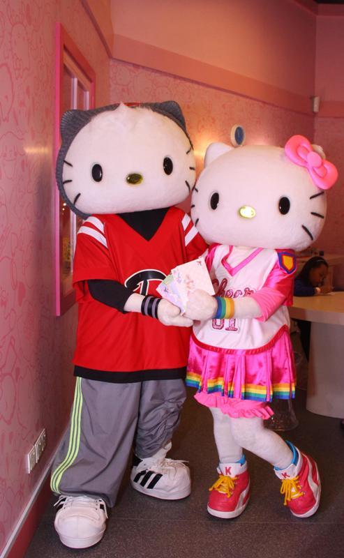 puteri harbour sanrio hello kitty town contest