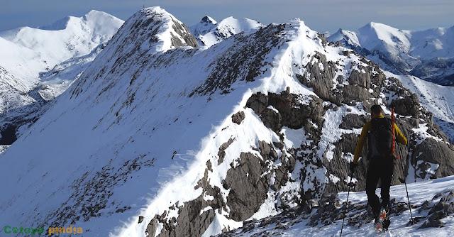 Llegando al Pico Corcadas en el Parque Regional Montaña de Riaño y Mampodre