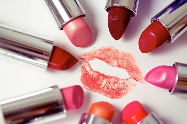 Tips Pintar Memoleskan Lipstik
