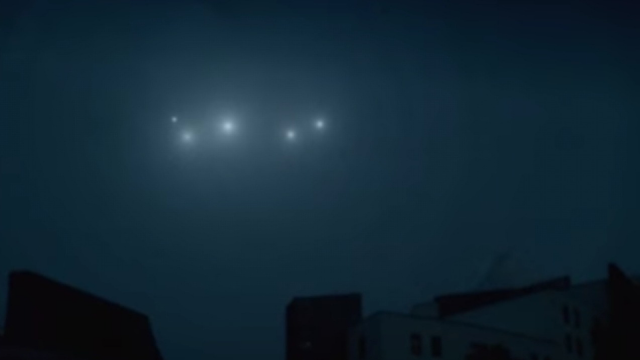 4 UFO Orbs turn into 5 Orbs when one UFO split's into 2.
