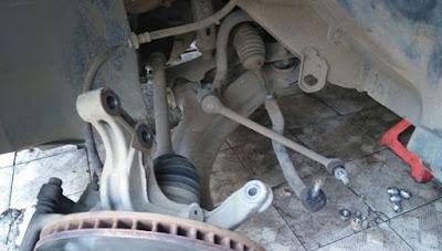 kaki - kaki mobil nissan livina bekas mudah rusak