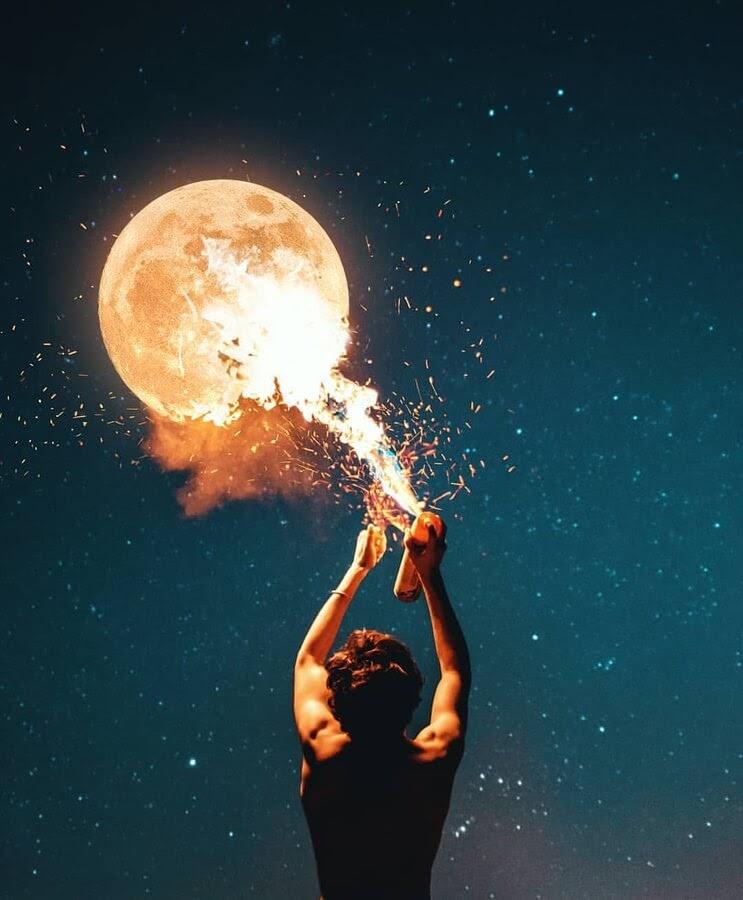 06-Fire-moon-Murat-Akyol-www-designstack-co
