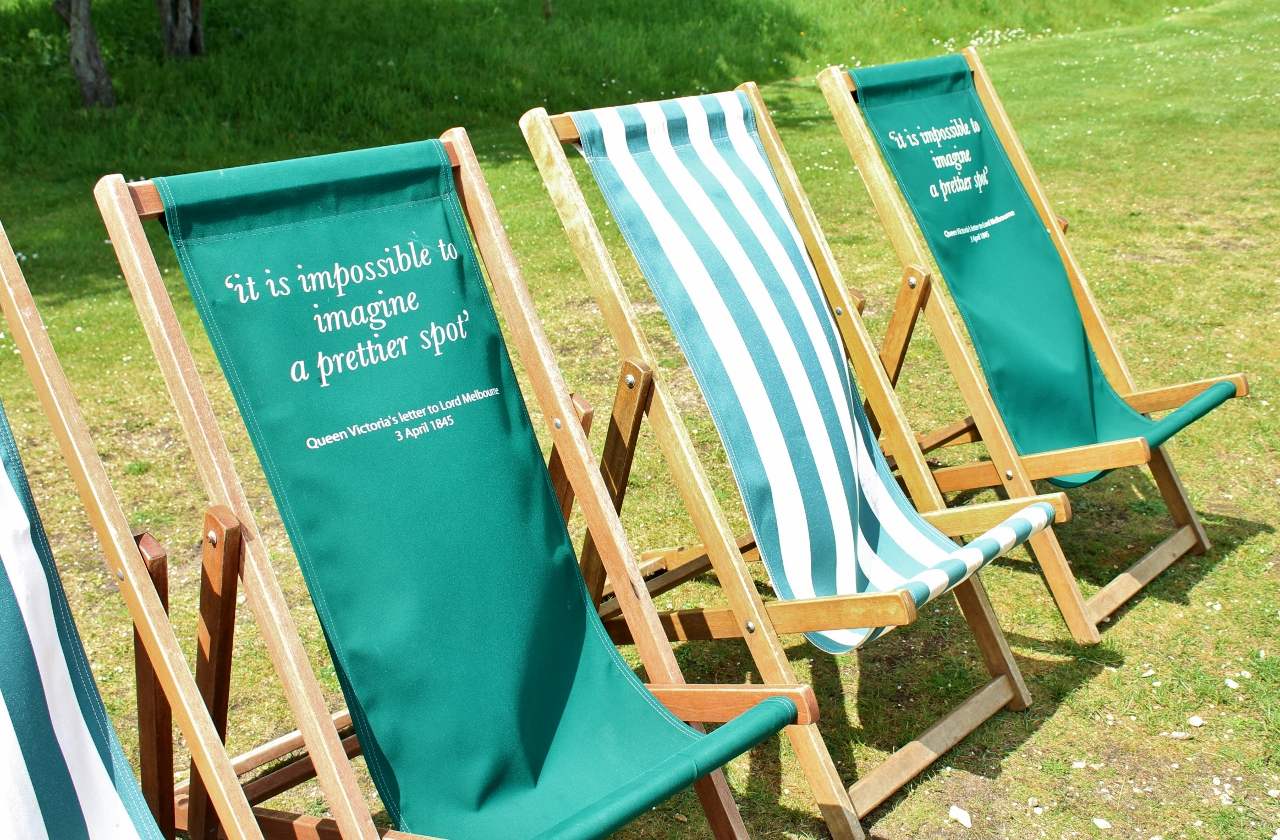 Deckchairs with Queen Victoria quote