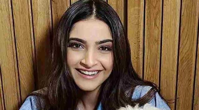 Sonam Kapoor के घर आया नन्हा मेहमान, तस्वीर शेयर कर एक्ट्रेस ने कराया इंट्रोड्यूज