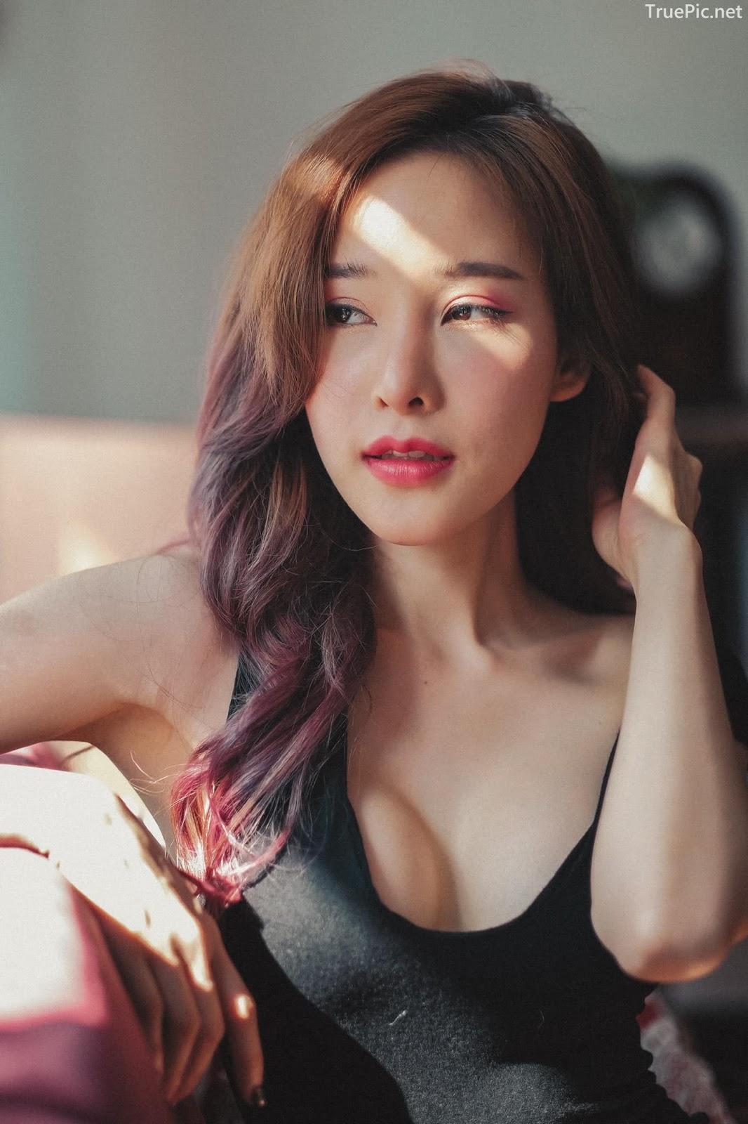 Thailand model - Arys Nam-in (Arysiacara) - Black Rose feeling the sun - Picture 1