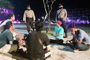 Personil Polsek Kuta Laksanakan Patroli Blue Light dan Beri Himbauan Tentang Protokol Kesehatan