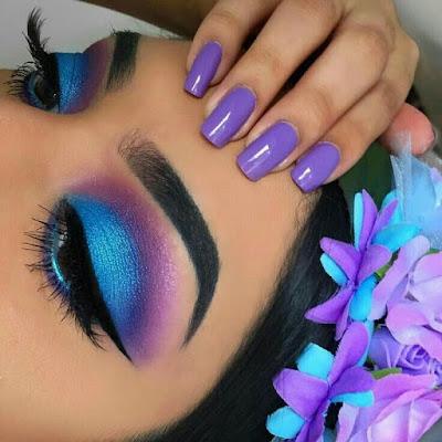 Maquillaje morado con azul celeste