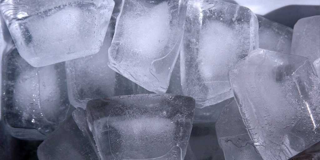 Menghilangkan Kantung Mata Parah Secara Cepat Dengan Es Batu