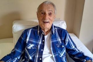 """Morre Orlando Drummond, da """"Escolinha do Professor Raimundo"""", aos 101 anos"""