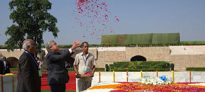 Gilles Clarke, site das Nações Unidas -  Matéria Raj Ghat - BLOG LUGARES DE MEMÓRIA