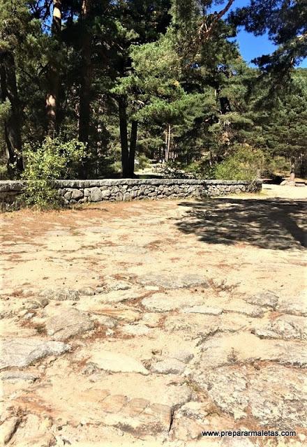 calzada romana en la sierra en Cercedilla