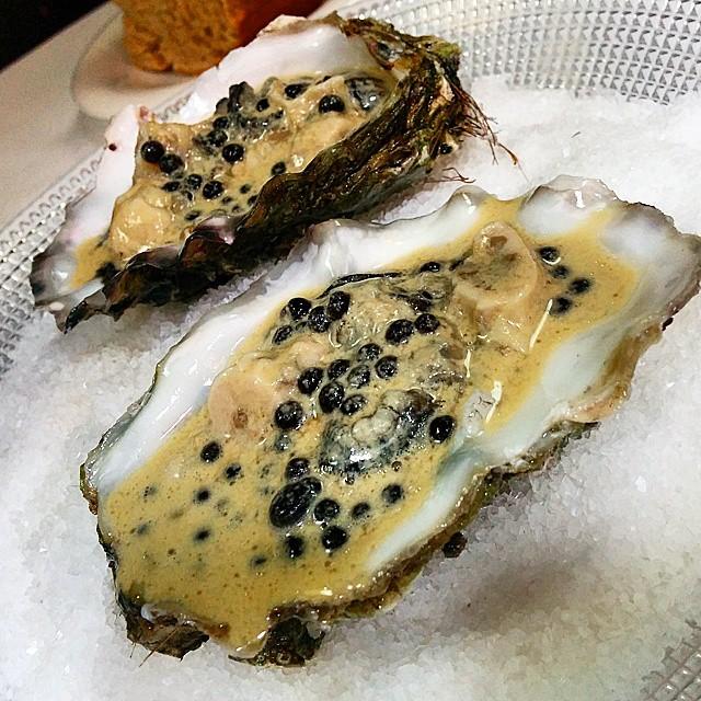 Casa Gerardo ostra con perlas de ternera