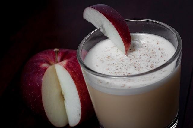 Cómo hacer un batido de manzana