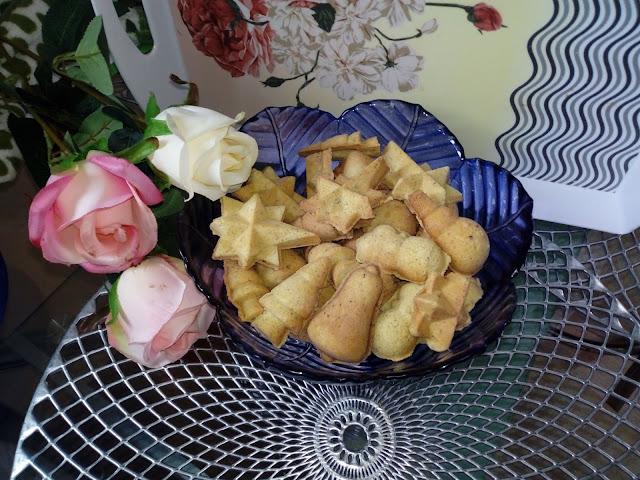 Ciastka z orzechow laskowych swiateczne ciasteczka ciastka orzechowe ciastka z orzechami ciastka do robienia z dziecmi zimowe ciasteczka ciastka z opiekacza orzeszki