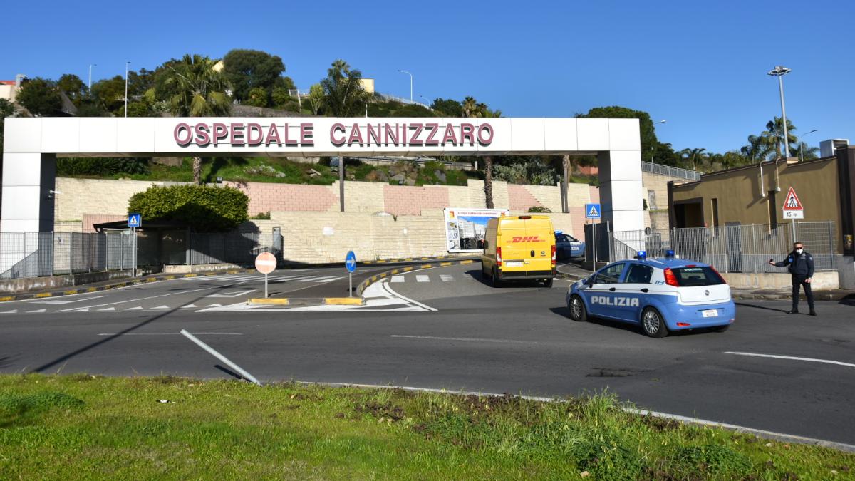 Ospedale Cannizzaro pluripregiudicati Polizia