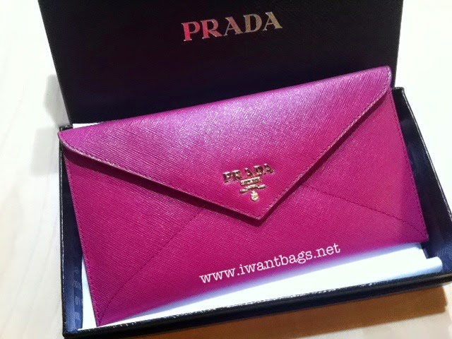 d4423df886746c I Want Bags backup: Prada 1M1175 Saffiano Envelope Wallet-Ibisco