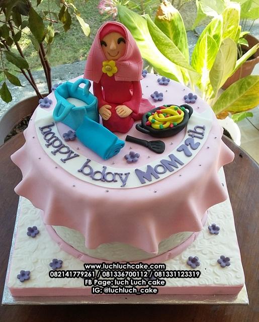 Kue Tart Hias Fondant Untuk Ulang Tahun Ibu