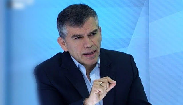 Julio Guzmán, lider del Partido Morado