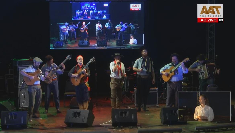 """A milonga """"Gaúcho um verso de campo"""" vence o 16º Acampamento da Canção Nativa de Campo Bom"""