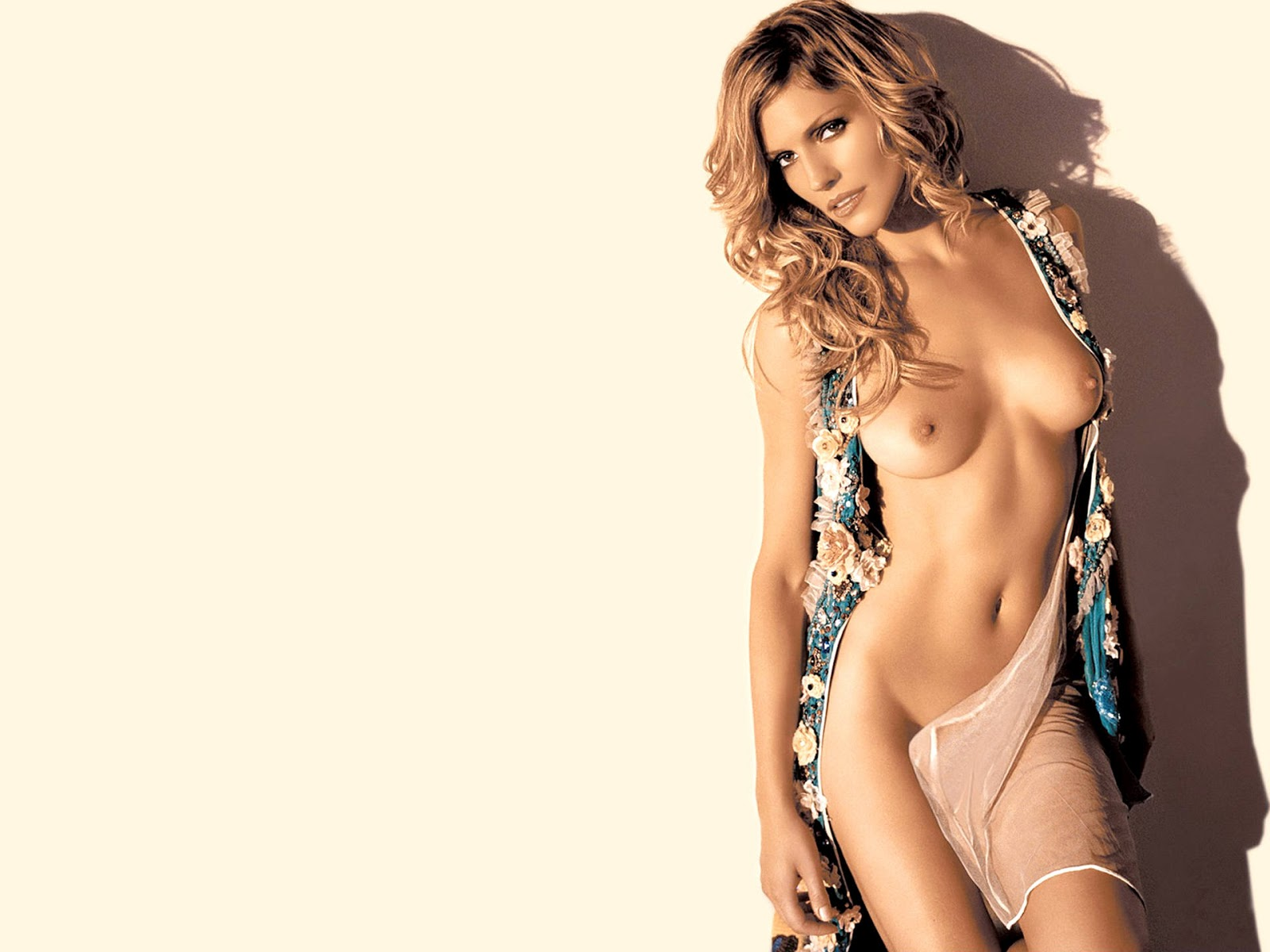 Tricia Helfer Sexy Nude Shoot For Fashion Magazine
