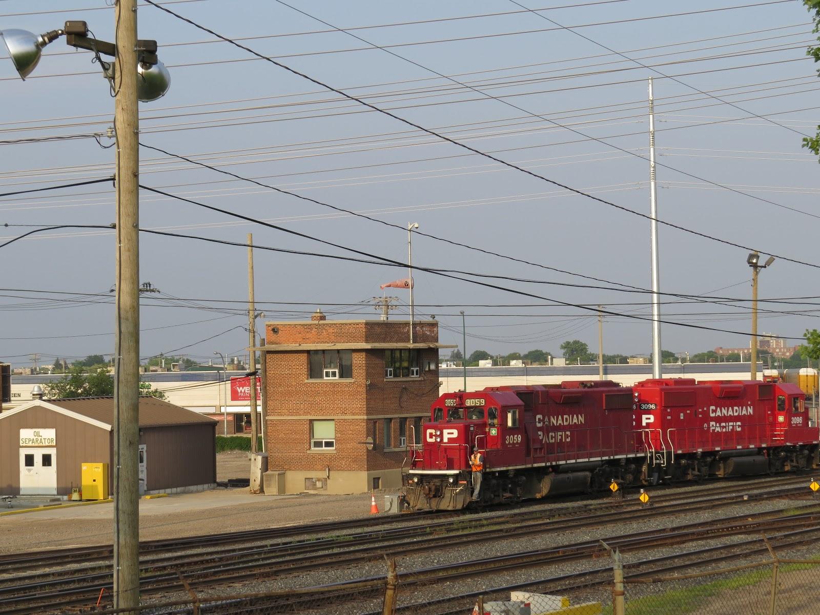 Winnipeg Model Railroad Club: Winnipeg's Rugby Tower dismantled by ...
