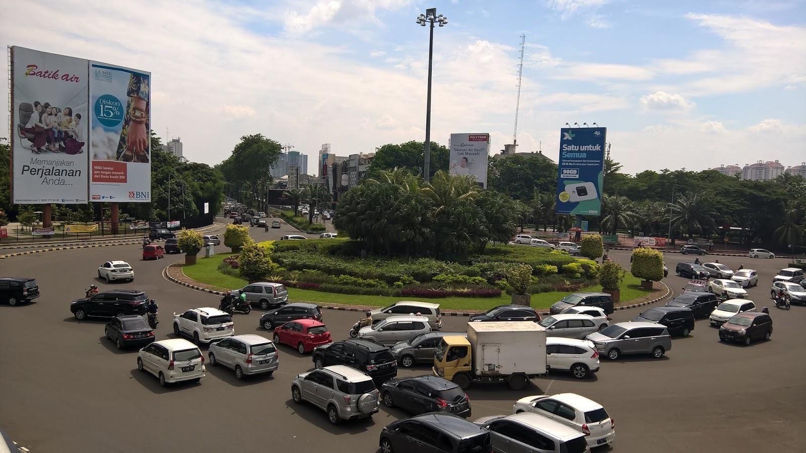Bundaran Kelapa Gading Jakarta Utara