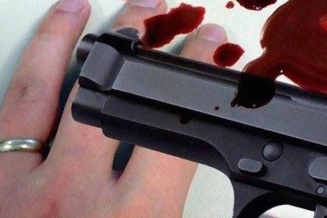 الكاميرات تُوّثق جريمة قتل مروّعة في صالون حلاقة!.....فيديو