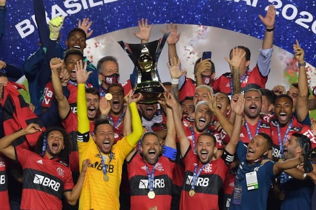 Mesmo derrotado por São Paulo, Flamengo é campeão Brasileiro