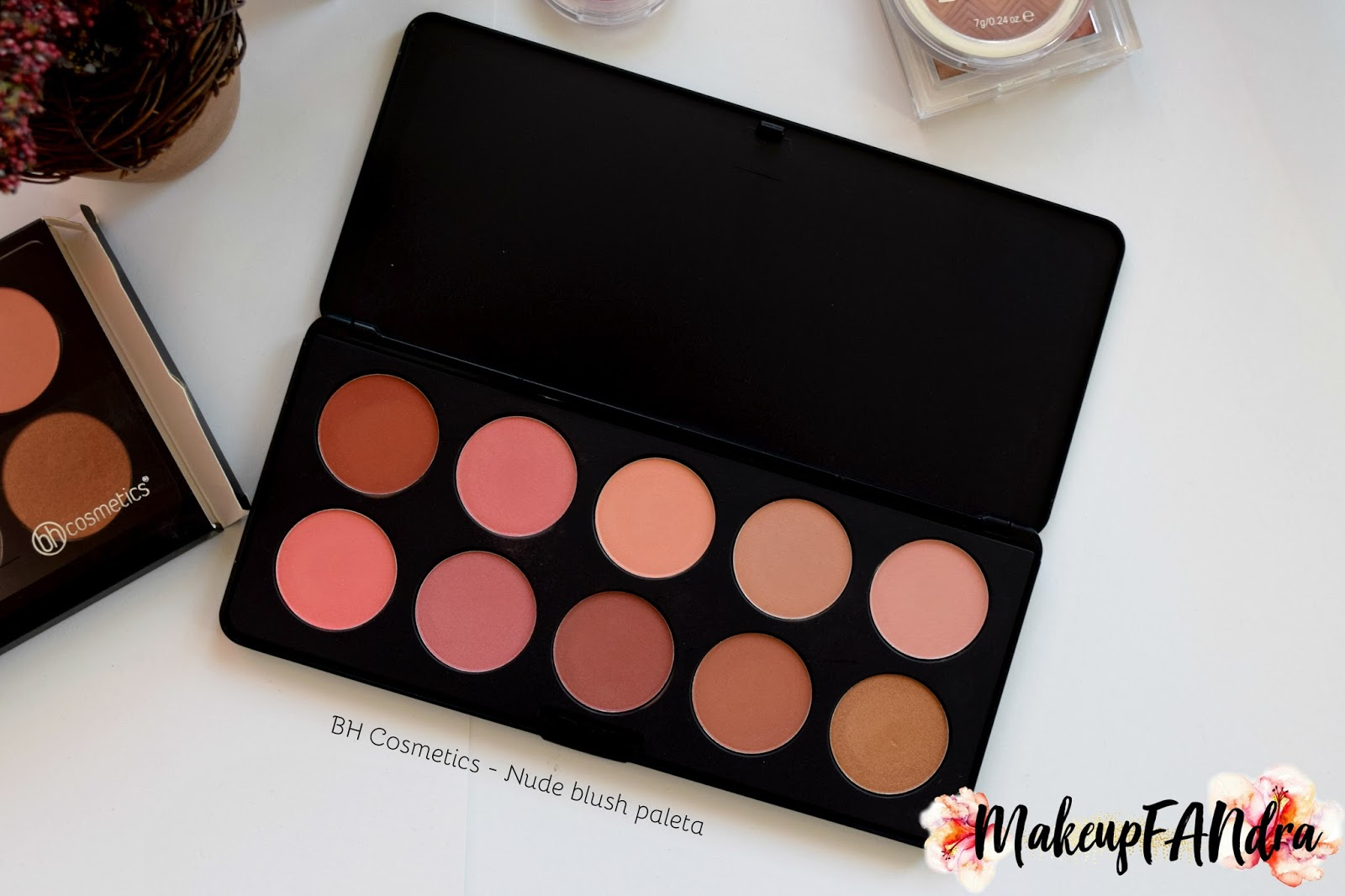BH-Cosmetics-Pure-Nude-paleta-rumenila