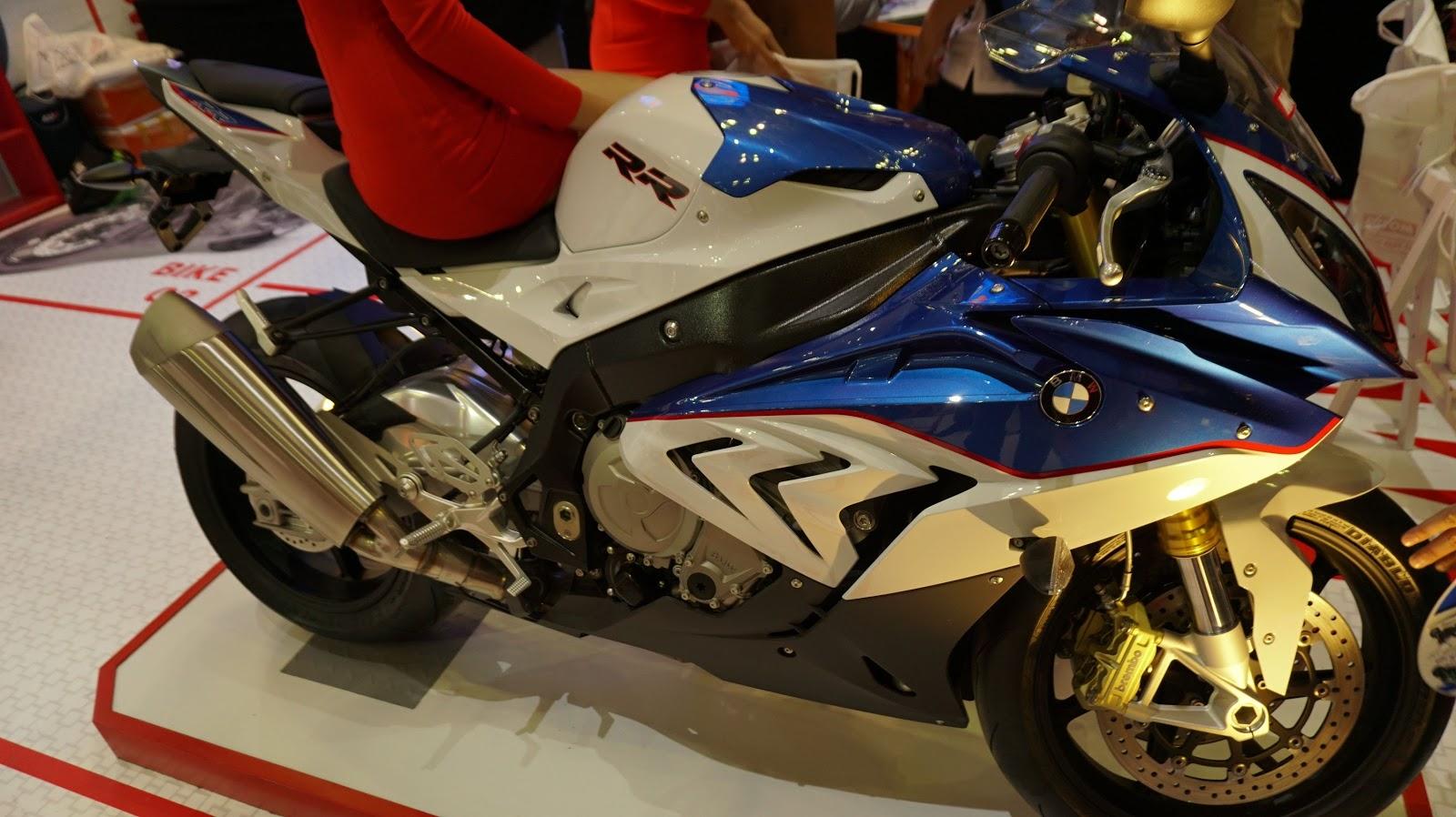 BMW S1000RR là một chiếc siêu mô tô siêu mạnh