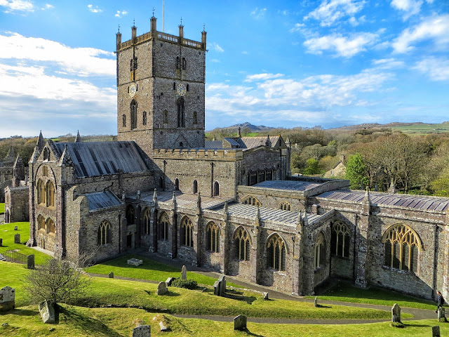 Must-See Places to Visit in Wales - RictasBlog