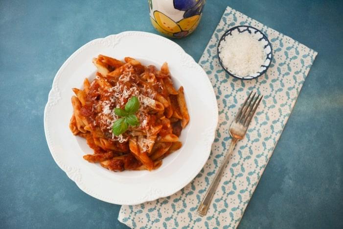Best Tomato & Basil Pasta Sauce