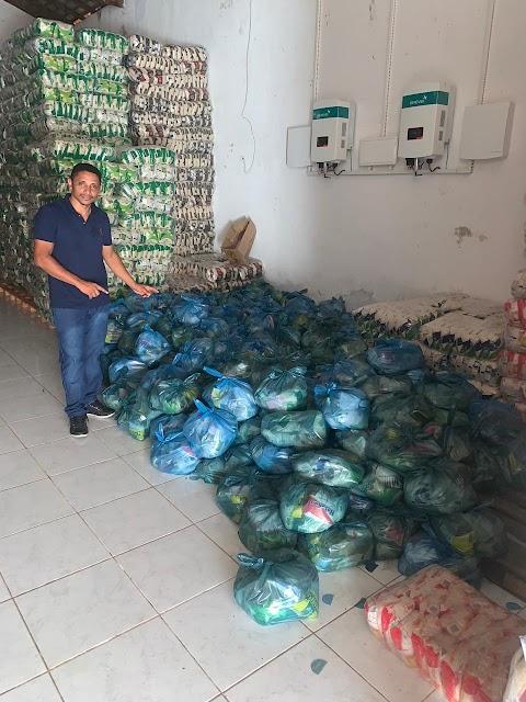 Pinto Catingueiro realiza mais doações de alimentos para famílias prejudicadas pela quarentena em Poção de Pedras