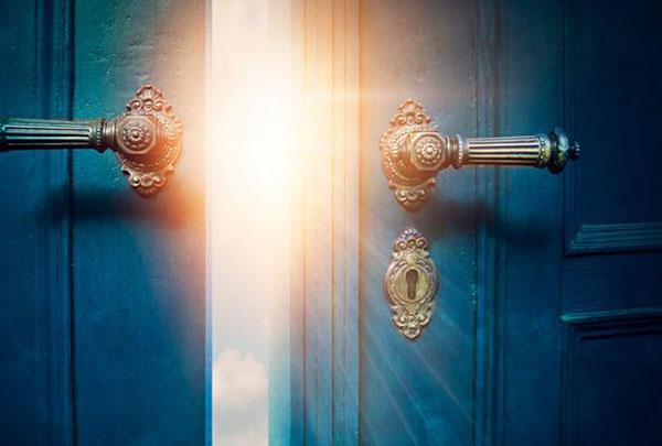 Deus abrirá as portas da prosperidade, saúde e paz em sua vida. Creia!