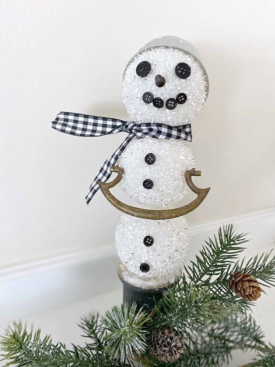 How to build a snowman Christmas decor using reclaimed parts