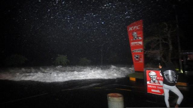 BMKG: Angin Kencang Sebabkan Gelombang Tinggi-Banjir Rob di Manado