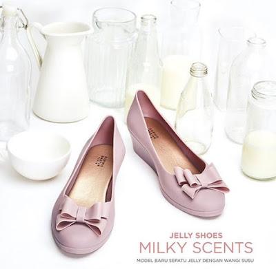 jelly, shoes, sepatu, jelly shoes, sepatu jelly, sophie paris, jelly shoes sophie paris, itricy, itricy shoes, sepatu itricy, sepatu jelly itricy, sepatu itricy jelly shoes, itricy jelly shoes, fragrance shoes, shoes scent, milky scent itricy, sepatu jelly itricy sophie paris. jelly shoes itricy sophie paris, Bahan sepatu sophie paris, ukuran sepatu sophie paris