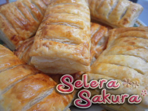 Beef Sausage Puff Pastry