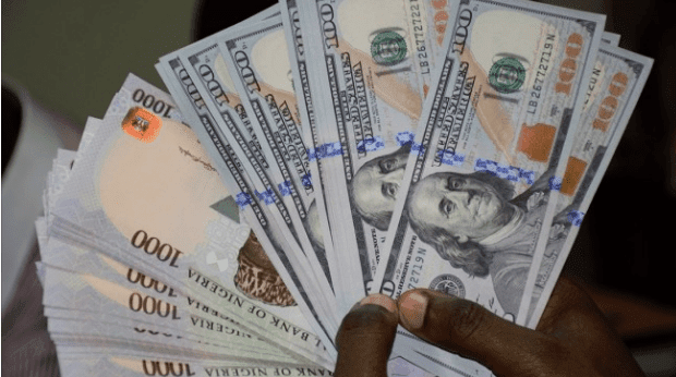 Naira exchanges at N450 to dollar