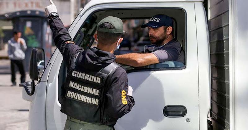 Gasolina será vendida con Captahuellas y solo a los maduristas que tengan carnet