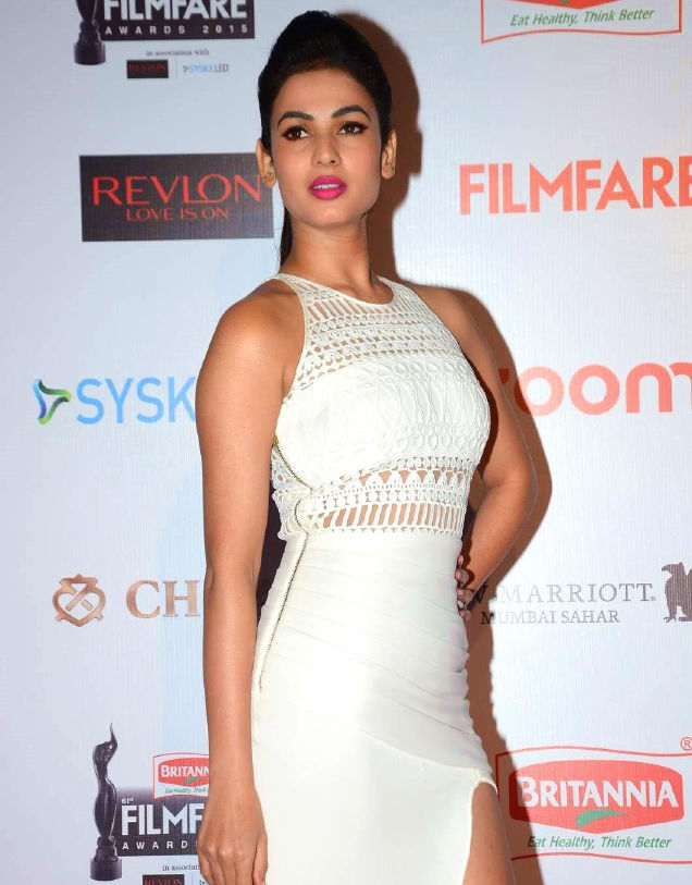 Sonal Chauhan At  Film fare Awards In White Dress