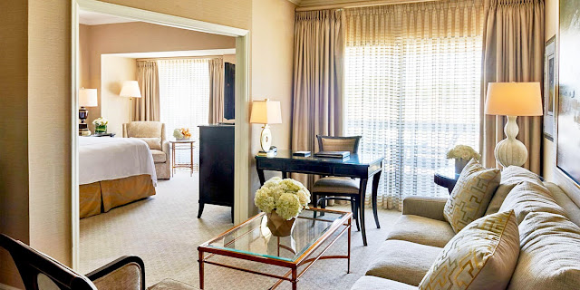 The The Townsend Hotel Birmingham is known for its exceptional service and amenities, including the award-winning upscale contemporary restaurant, Rugby Grille, Afternoon Tea, The Townsend Bakery and a variety of world-class banquet, catering, and wedding services. Located in the heart of the walkable upscale community of Birmingham, Michigan, and just 20 miles from downtown Detroit.